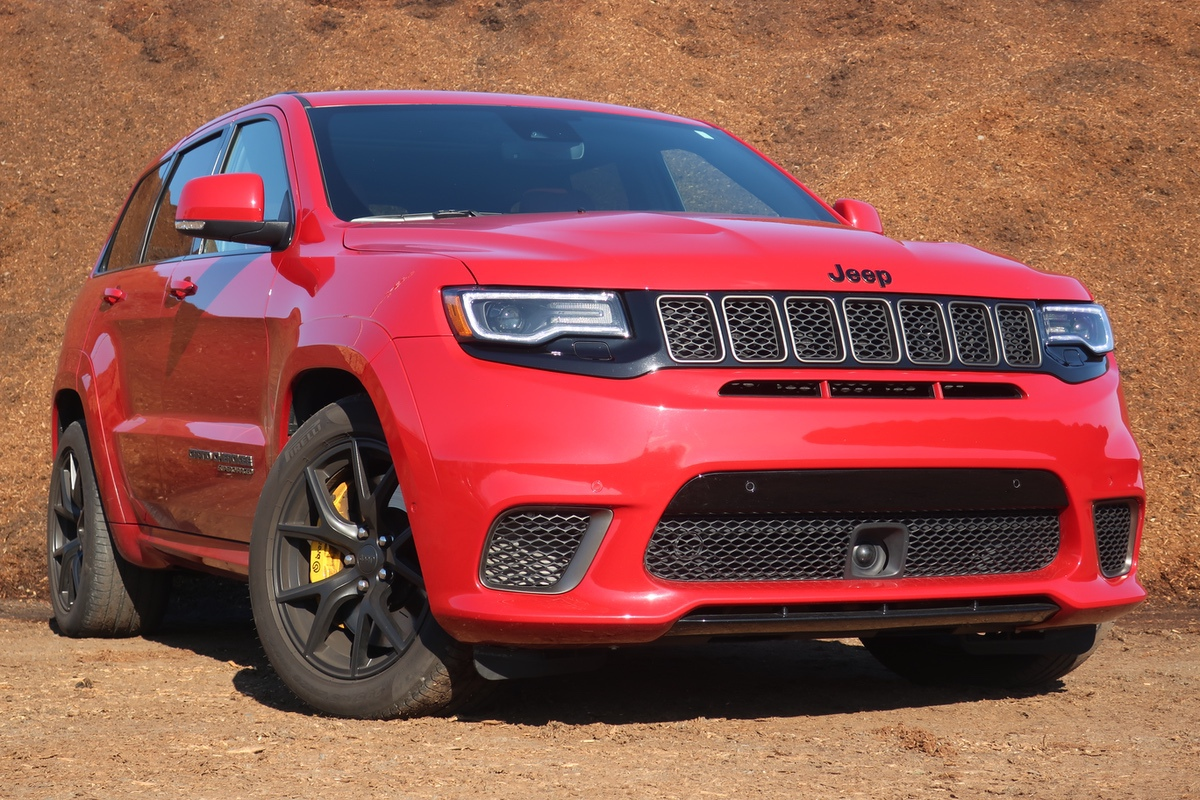 Chew 'Em Up and Spit 'Em Out: The 2020 Jeep Grand Cherokee Trackhawk Is An AWD, Family Hauling Version Of Thor's Hammer