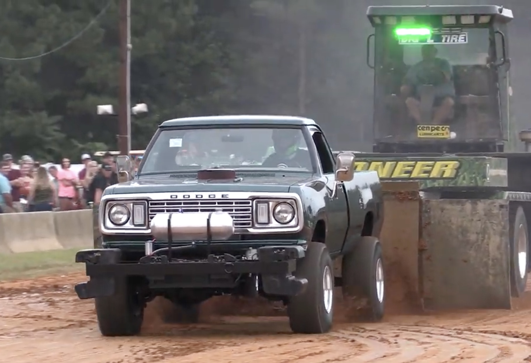 Morning Symphony: Outlaw 4×4 Pulling Trucks Screaming At The 2019 Southern Showdown