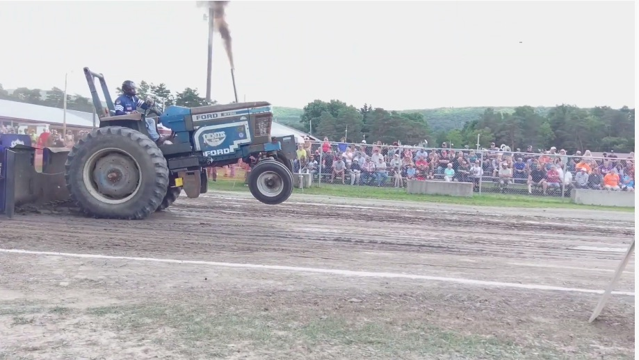 Hot Farm Pulling Action Video: No You Sicko, Not That Kind Of Hot! We're Talking Hot Farm Tractors!
