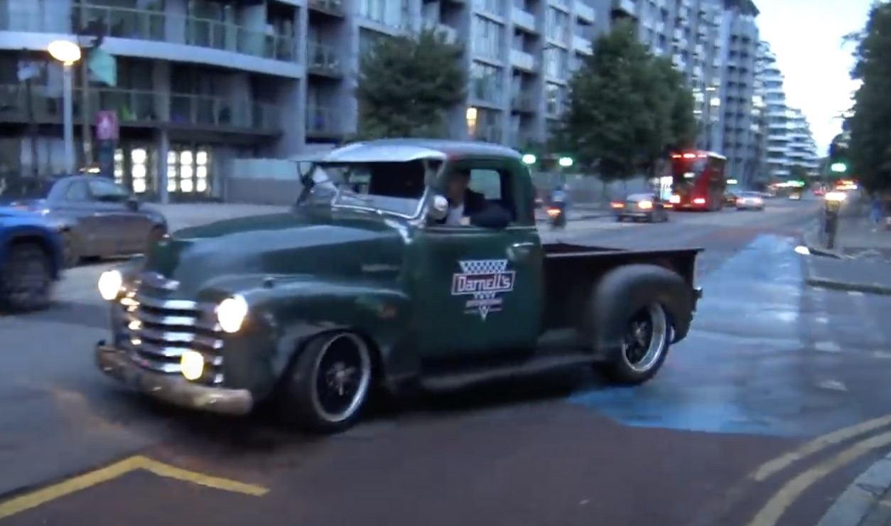 Cruising In The Rain: The Vehicles Of The Chelsea Cruise In The UK