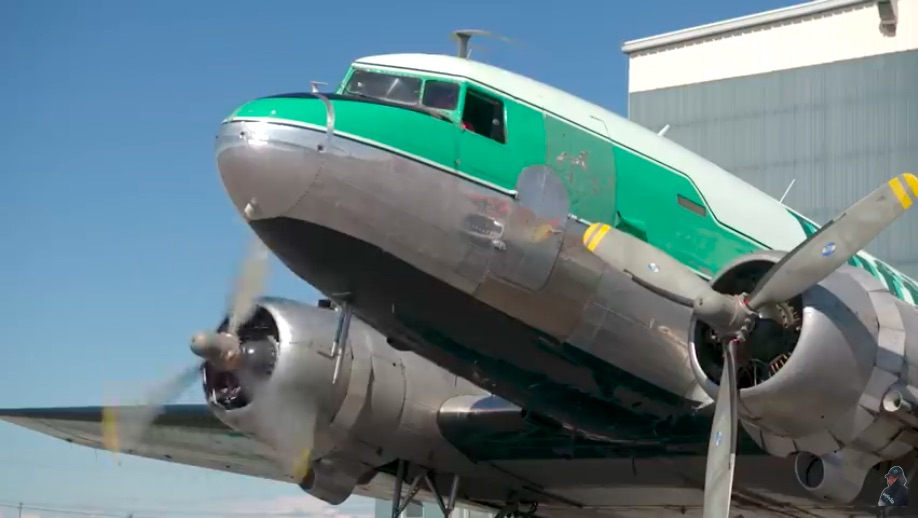 Follow The Starting Procedure Of A Vintage DC-3 With The Most Experienced DC-3 Pilot On Earth – This Plane Is Flying Today!