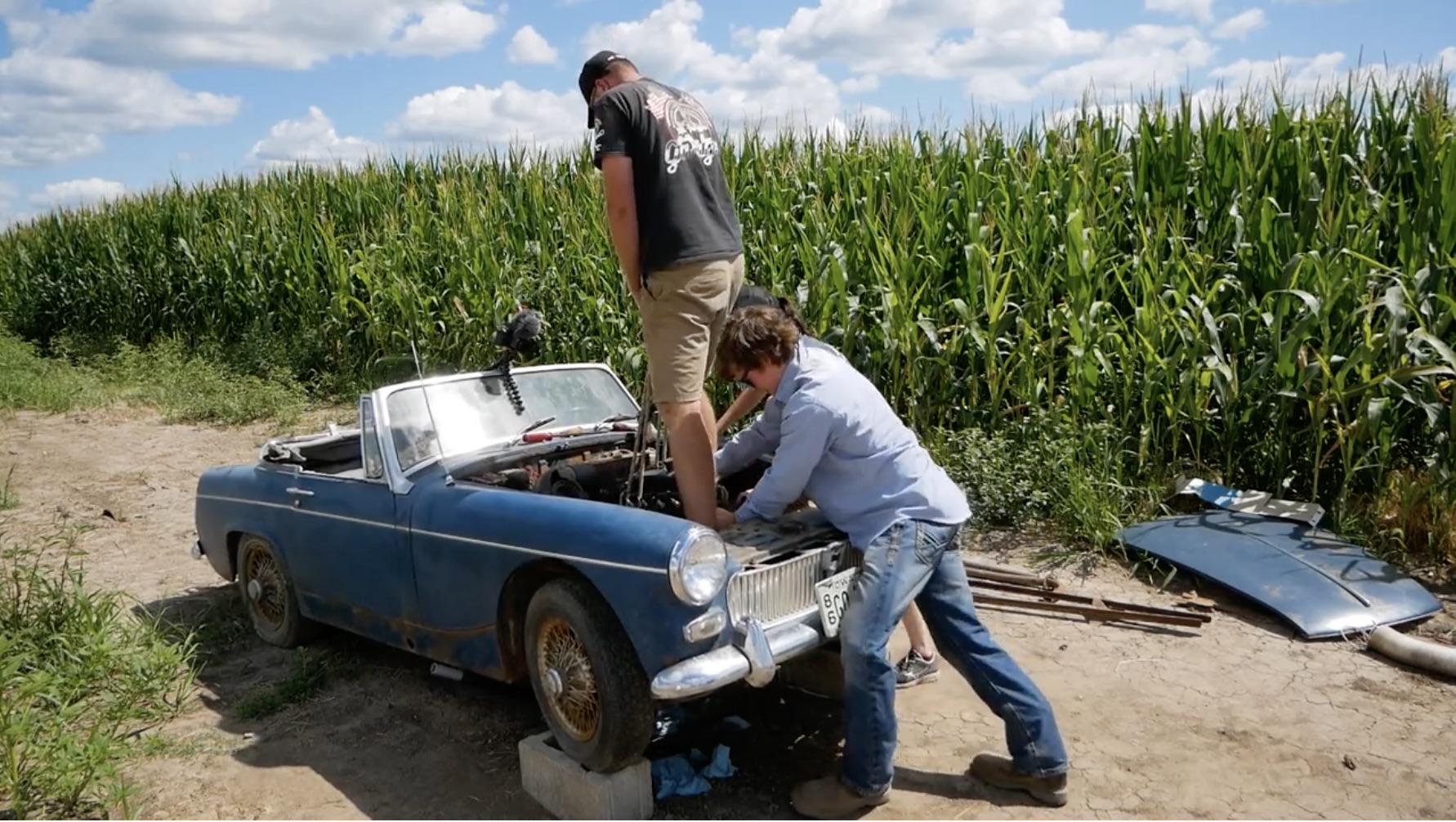 Midget Of The Corn, Part 2: Putting The Engine In By Hand!