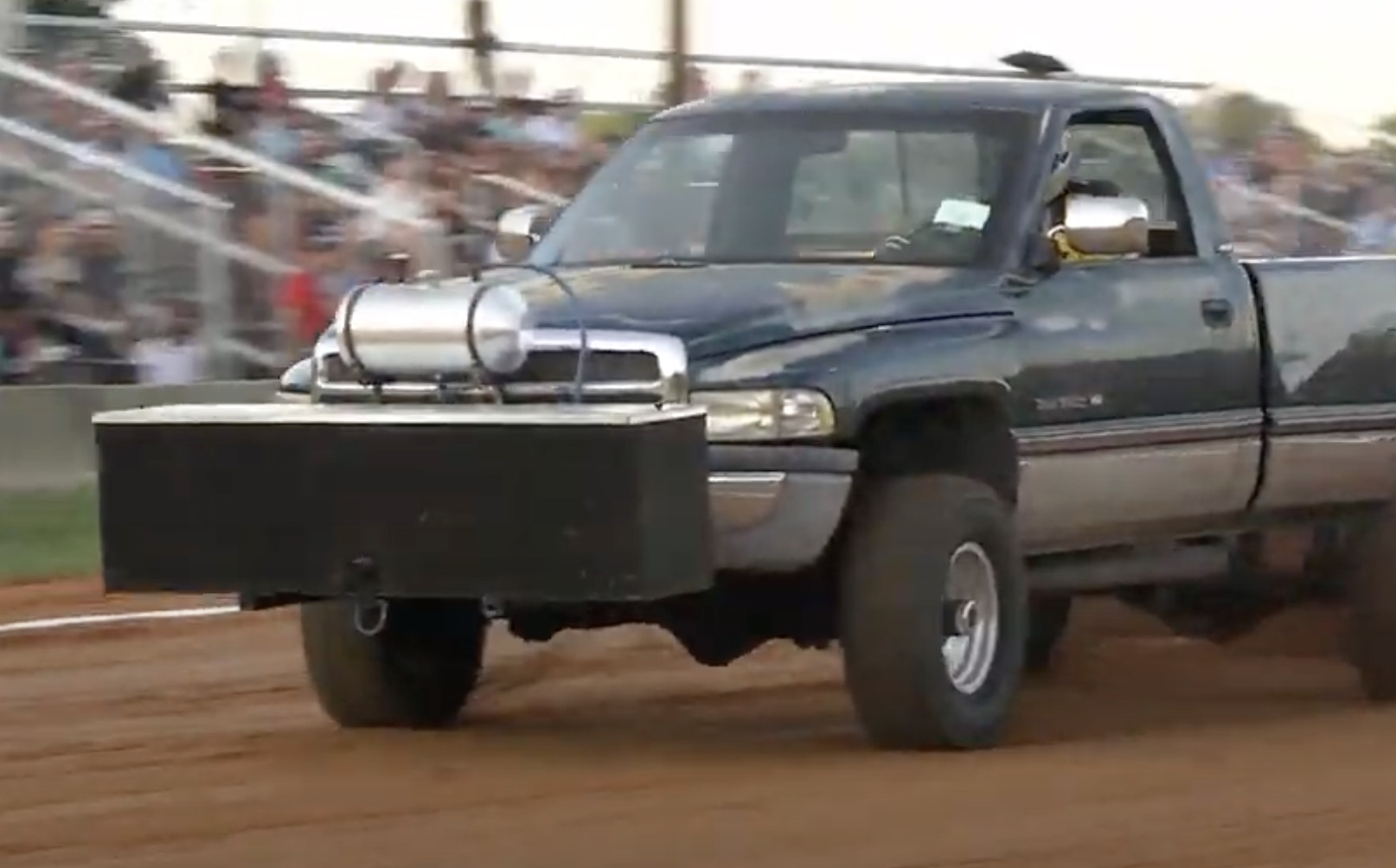 All Four Turnin': Outlaw Open 4×4 Trucks Pulling At Millers Tavern