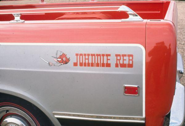 "Random Car Review: 1971 International Harvester 1010 ""Johnnie Reb"""