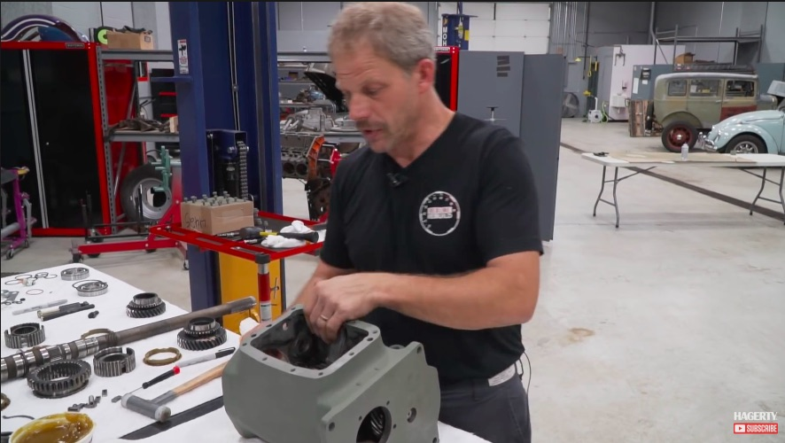 Transmission Tech Video: Reassembling A Chrysler A-833 Four Speed – Grabbing Gears The Old School Way