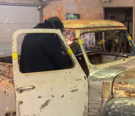 $1,000 Build: Yep, This F100 Is Coming Together With An Ultra Cheap Budget