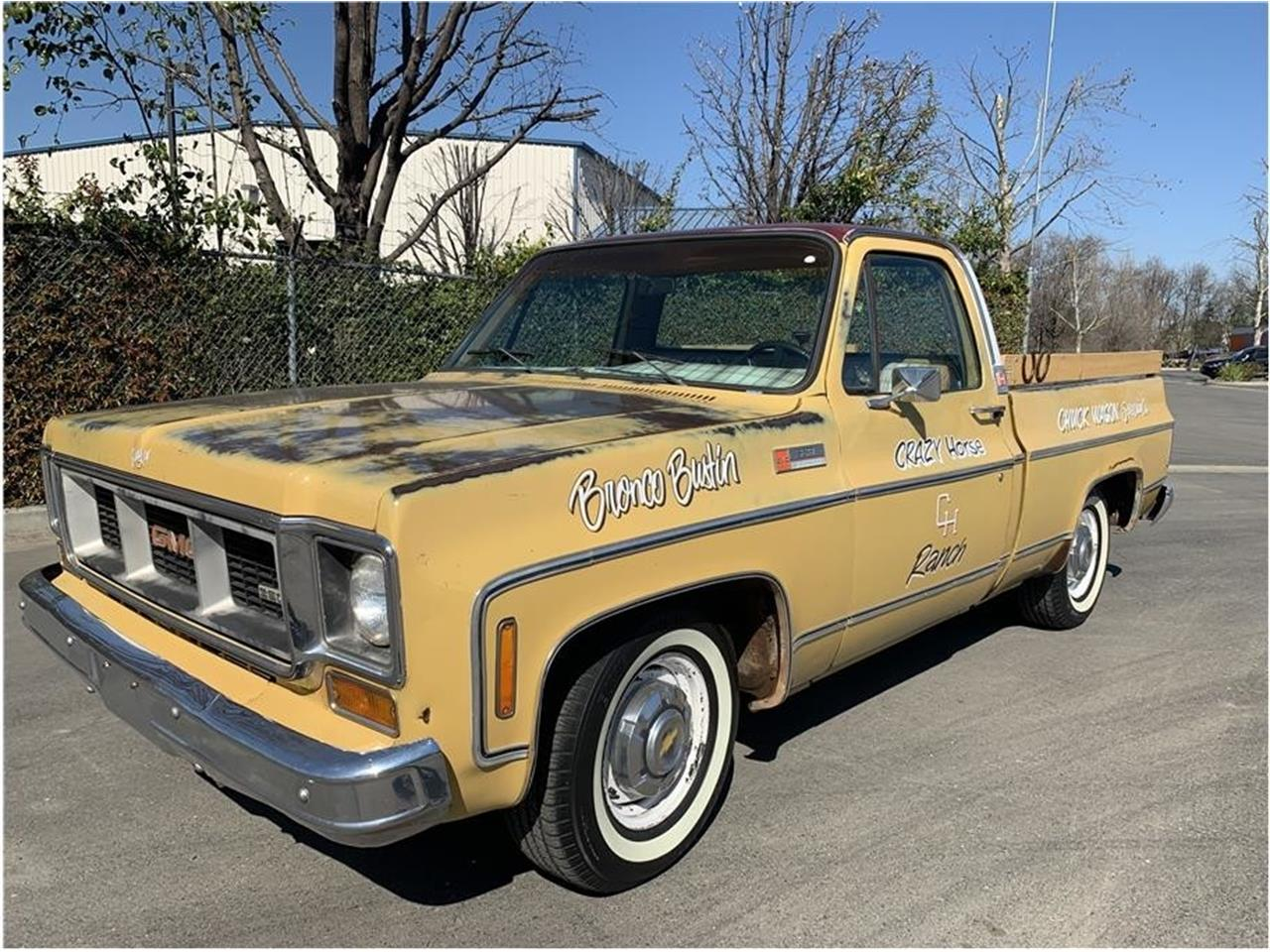 This Classic 1974 GMC Sierra Is Squarebody Greatness! Man The Things We'd Do With This Thing!