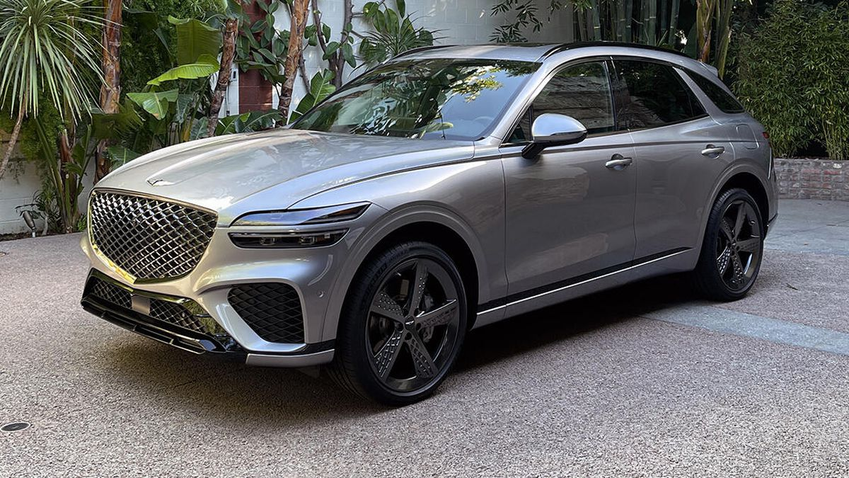 America's Station Wagon Dreams Foiled Again – The Genesis G70 Wagon Isn't Coming But The GV70 Crossover Is