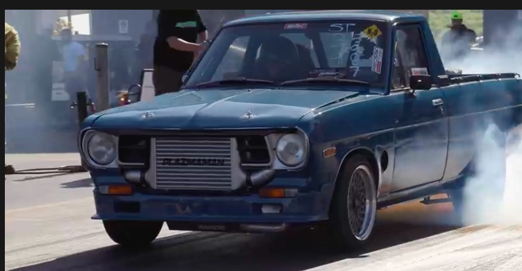 7s On Skinnies – This Aussie Datsun Truck Runs 7.90 With A 225 Tire on The Back!