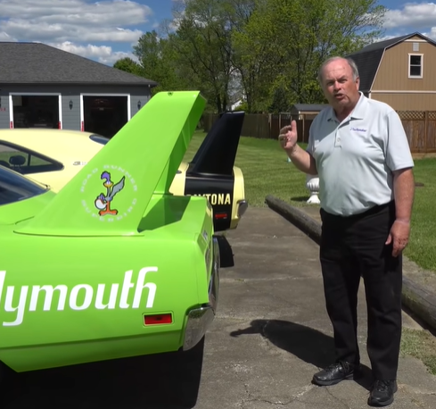 Mopar's Wing Cars: Do You Know What The Differences Are Between A Dodge Daytona And Plymouth Superbird?