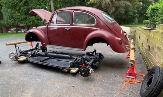 VW Tech: How To Pull The Body Off A VW Beetle And Then Bolt In A New Pan