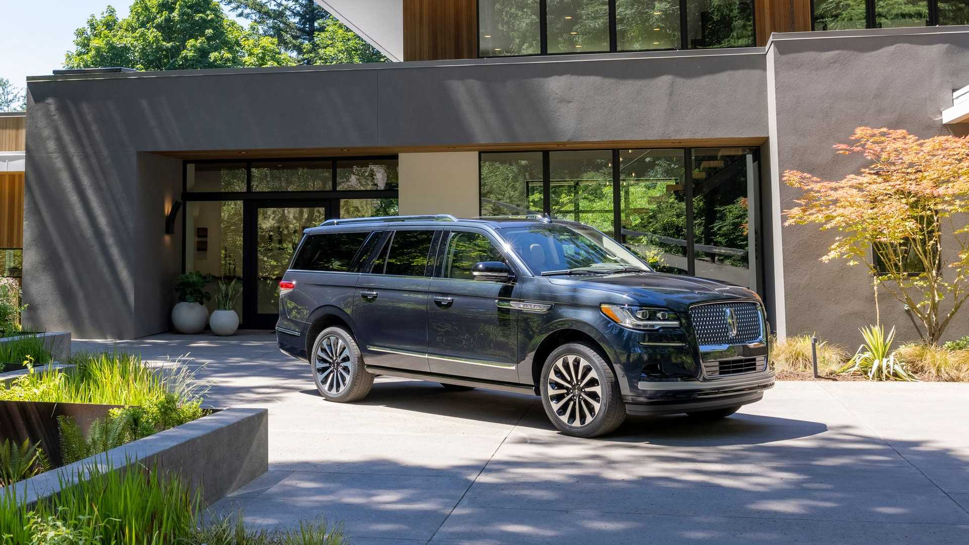 Land Yacht: The 2022 Lincoln Navigator Steps Up On All Levels, Inside and Out