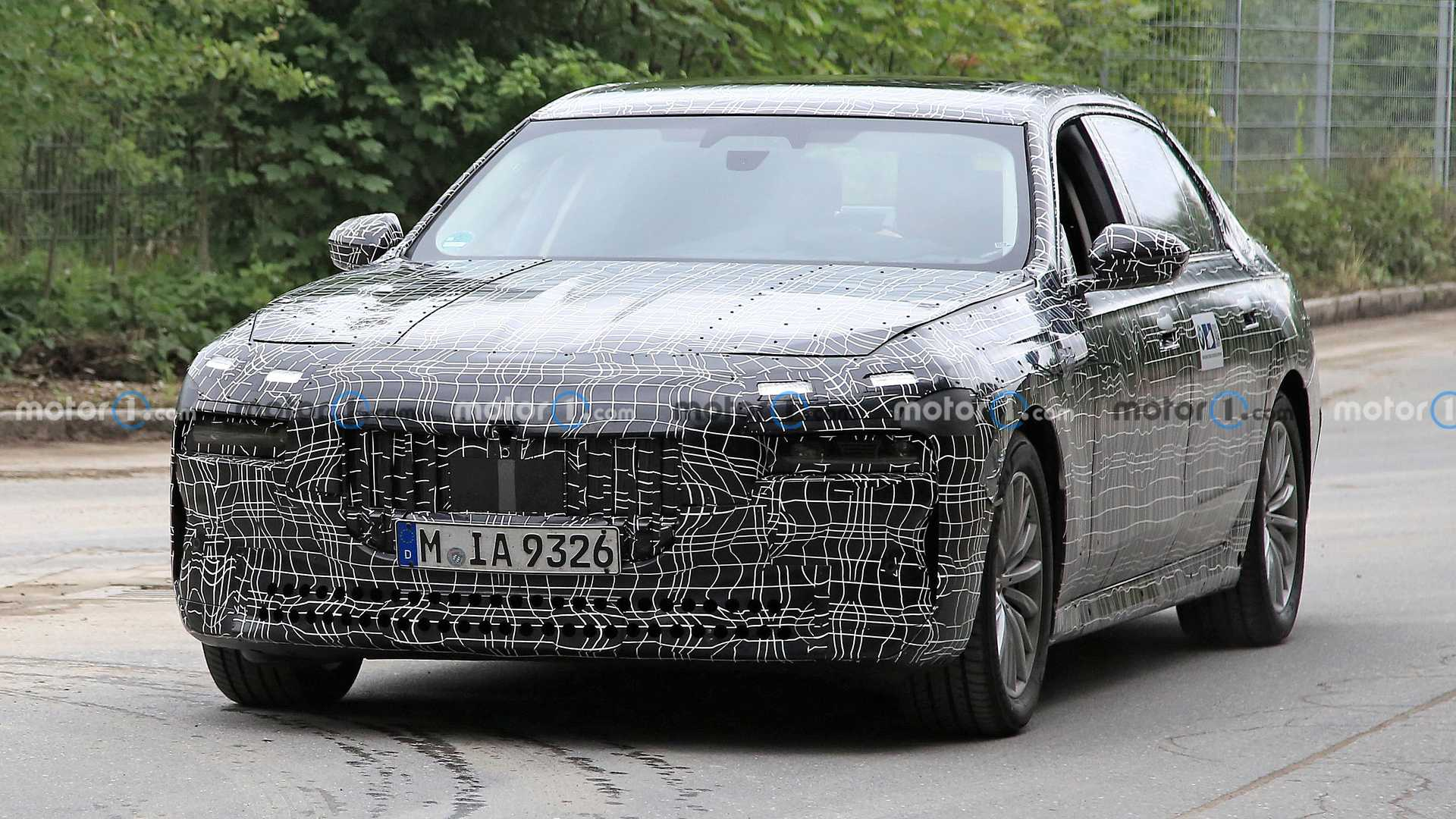 Big Machine: The New BMW 7-Series Introduces Revised Engines and A Roaring V8 To The Lineup