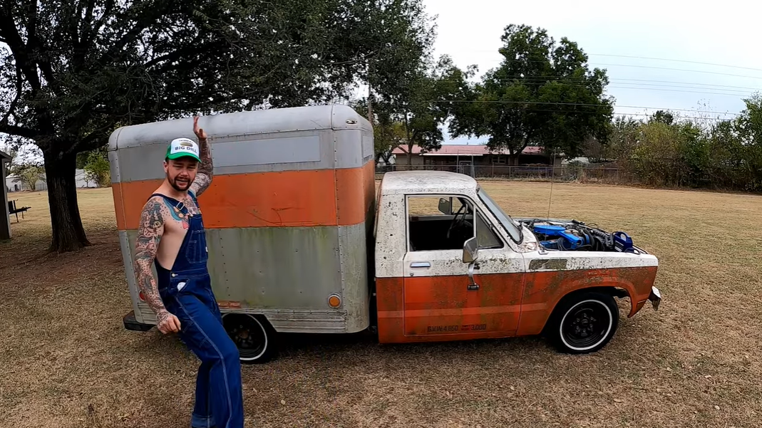 Puddin's Vintage Mini Uhaul Project Gets A Cheap But Awesome Makeover